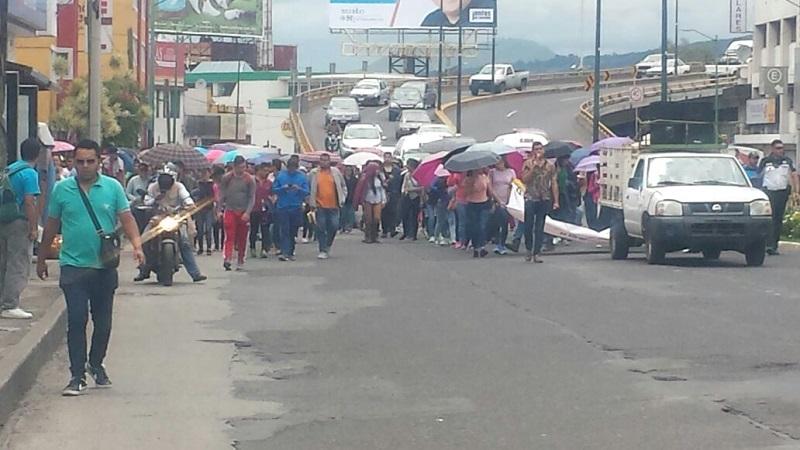 Los manifestantes han marchado de forma muy lenta de manera deliberada para afectar más el paso de vehículos, lo que ha generado demasiadas complicaciones viales a su paso