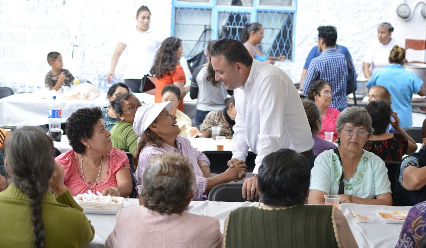 Carlos Quintana señaló que son 20 mil personas beneficiadas con la caravana Es Por tí