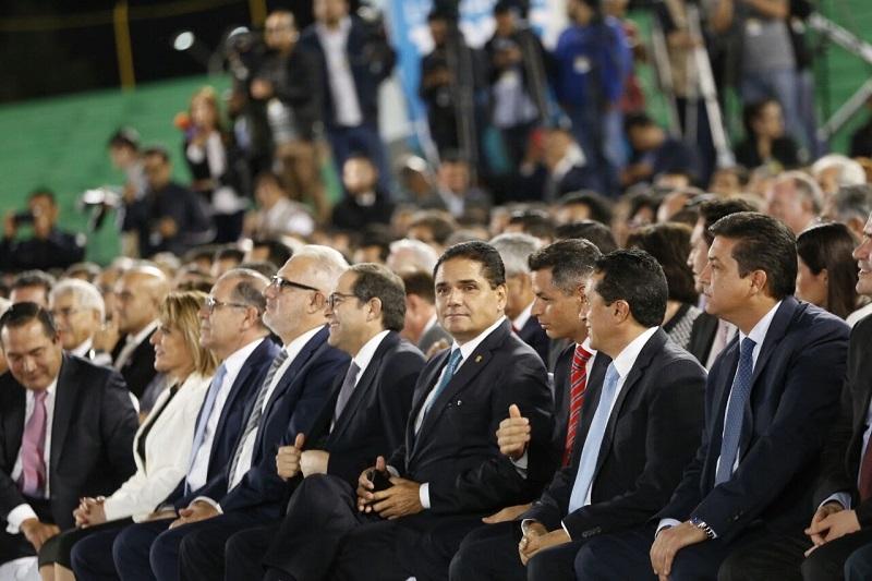 El mandatario michoacano celebró estos primeros 12 meses de gestión de su homólogo duranguense y confió que, de la mano del resto de las entidades de la República, como Gobiernos Estatales se puedan construir los acuerdos y políticas que permitan enfrentar los retos del país