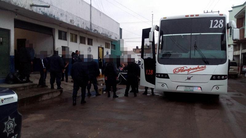 El secretario de Gobierno, Adrián López Solís, informó que lo anterior se deriva del acuerdo de extinción publicado este viernes en el Periódico Oficial del Estado, en el que desaparecen los Centros Penitenciarios de Ario de Rosales, Jiquilpan, Pátzcuaro y Zinapécuaro