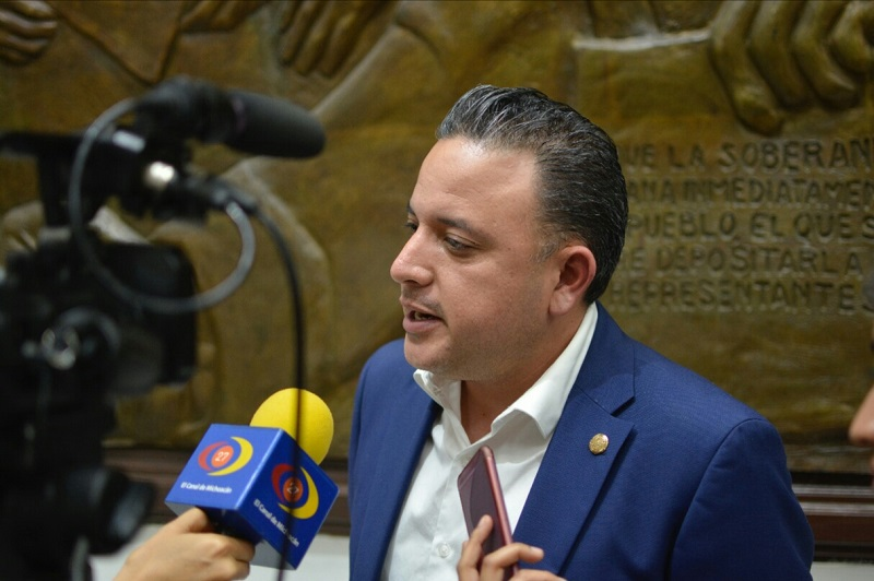 Quintana Martínez pidió a los responsables de la seguridad de los morelianos, invertir no sólo en capacitación de los cuerpos policíacos, sino en todo un sistema de inteligencia que les permita ubicar bien las situaciones y zonas de riesgo en la capital del estado para redoblar la vigilancia