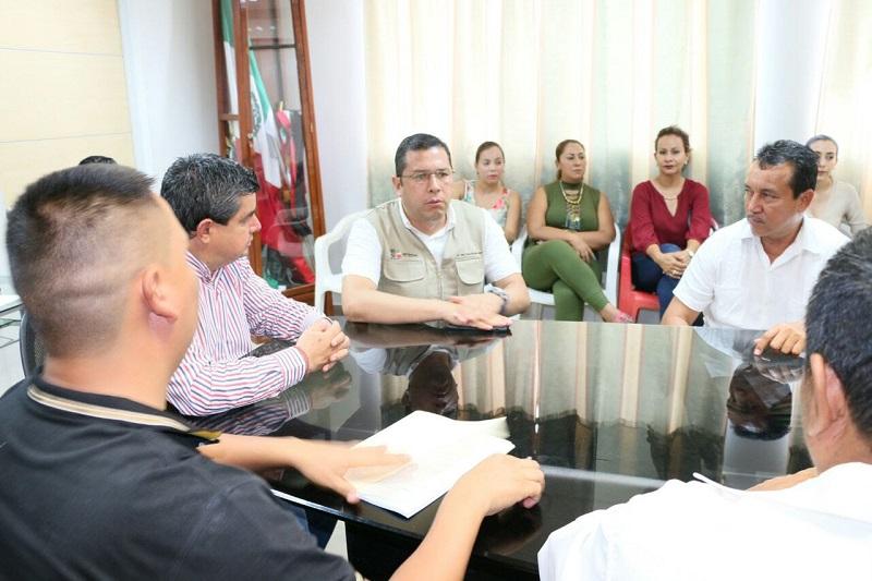 Por su parte, el alcalde de Múgica, Salvador Ruiz Ruiz, agradeció el apoyo del Gobierno del Estado y de la Dirección General del subsistema para la instalación del nuevo centro escolar