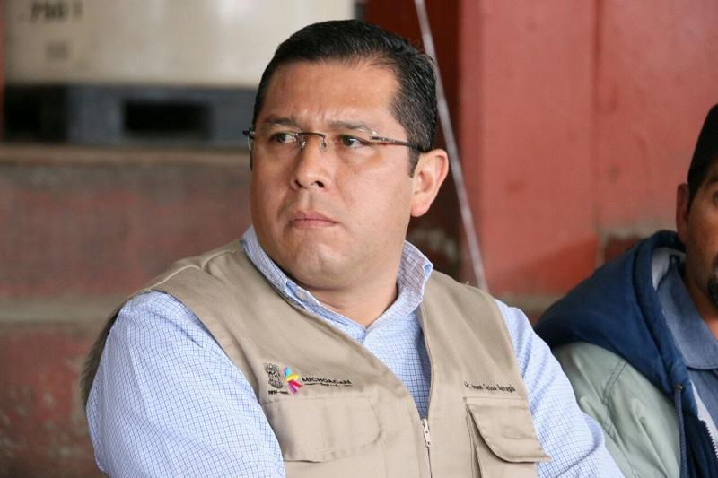 """""""Hoy, gracias al compromiso del Gobernador Silvano Aureoles Conejo, quien ha sido un gran aliado de la educación, apoyamos el desarrollo de nuestro estado, atendiendo a la población de las zonas más vulnerables y llegando a donde más lo necesitan las y los michoacanos"""", resaltó Barragán Vélez"""