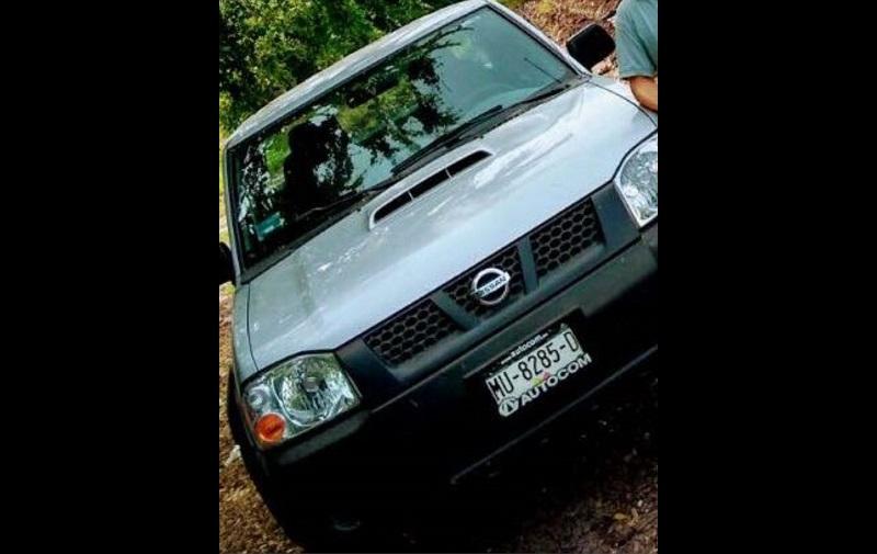 El vehículo tiene placas de circulación MU-82-85-D del estado de Michoacán
