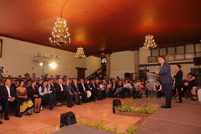 Silvano Aureoles expresó que para hacer frente a los retos presentes y futuros, es necesaria la fortaleza institucional