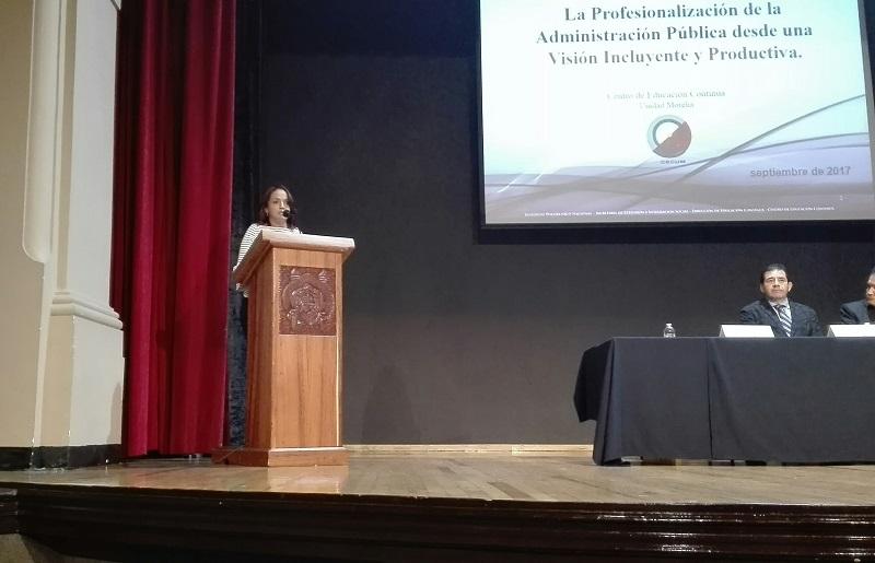 """Villanueva Cano participó en el Ciclo de Conferencias Magistrales """"La Profesionalización en la Administración Pública"""