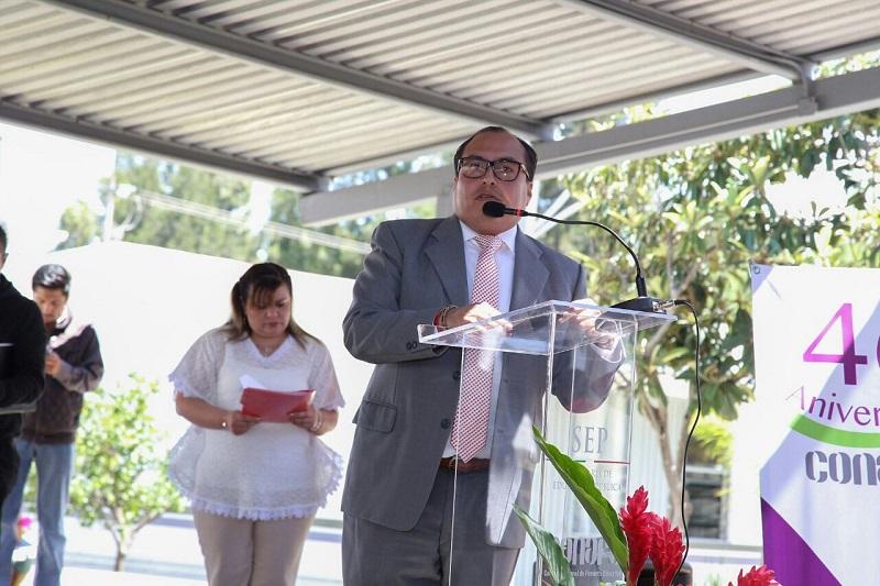 Reconozco el trabajo de cuatro décadas de garantizar el derecho a la educación de todas y todos los mexicanos, promoviendo conocimiento, aprecio y protección a la diversidad cultural y lingüística a través del impulso de proyectos para el bienestar Comunitario y la promoción de la cultura: Color Gasca