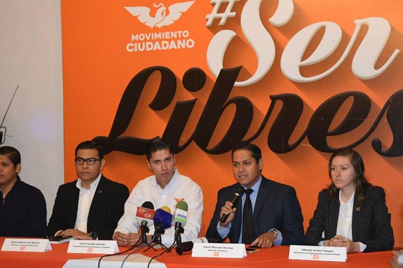 En un encuentro con los medios de comunicación, Moncada Sánchez lamentó que las dirigencias estatales del PAN y del PRD exhiban una prisa desmedida por repartirse las candidaturas