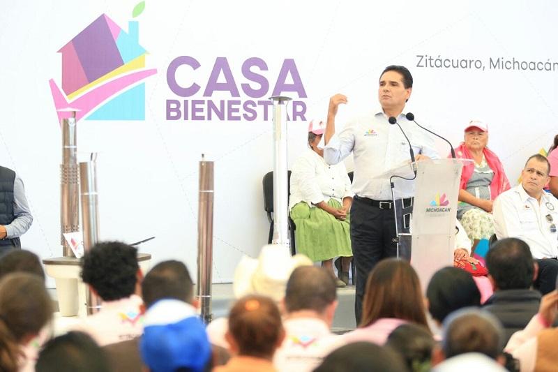 Aureoles Conejo otorgó 286 créditos de Palabra de Mujer, por un millón 150 mil pesos
