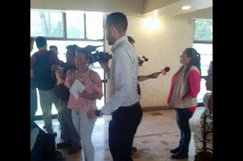 """Un grupo de personas adheridas a la """"Unión de Comerciantes del Estadio Morelos"""" se acercaron a los medios de comunicación con la finalidad de que la directiva del equipo Monarcas Morelia, en específico el presidente Álvaro Dávila, """"se entere de lo que está pasando"""""""