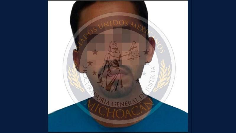 El imputado fue internado en el Centro de Reinserción Social de Apatzingán y presentado ante el juez de control, que en las próximas horas resolverá su situación jurídica