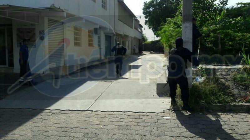 Personal de la UEEC arribó al lugar y realizo el levantamiento del cuerpo para trasladarlo al Servicio Médico Forense, donde se espera que la persona seas identificada por familiares