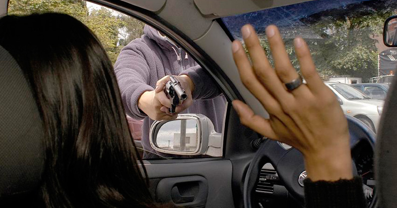 El hacer el reporte de forma inmediata, da la posibilidad de que el vehículo o la placa sea captado por algún arco carretero