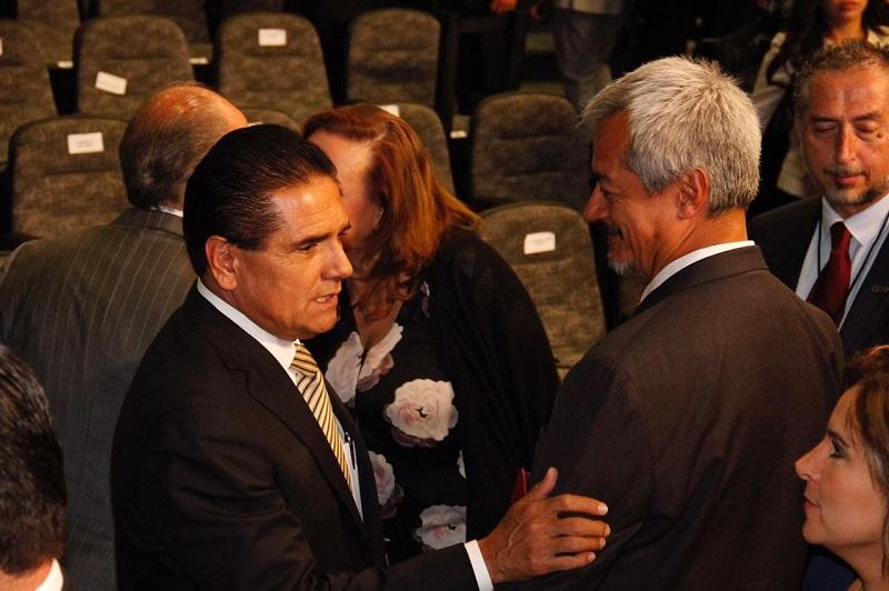 Aureoles Conejo atestiguó el mensaje que su homólogo rindió ante el pueblo mexiquense, con el que coincidió en que el contexto actual demanda construir desde las diferencias y seguir sumando las coincidencias por el bienestar de la población y sus instituciones