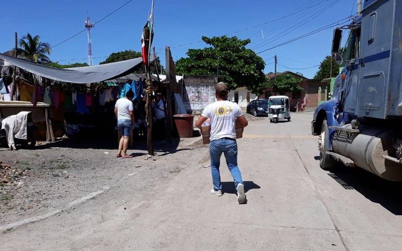 Alimentos y artículos donados por los michoacanos llegan a la población afectada por los temblores