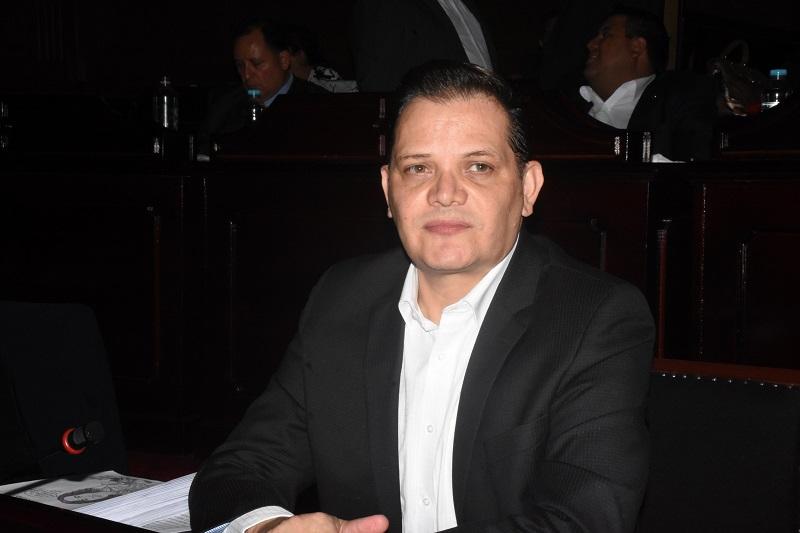 El anterior presidente de la Comisión de Hacienda era el panista Miguel Ángel Villegas, quien el 15 de septiembre asumió el cargo de presidente del Congreso