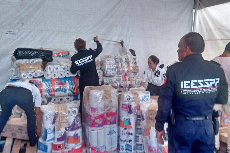 Bernal Bustamante, hace la extensa invitación a la ciudadanía para que aporten alimentos enlatados, no perecederos, así como agua purificada, pañales, ropa en buen estado, productos de aseo personal, colchonetas y cobijas
