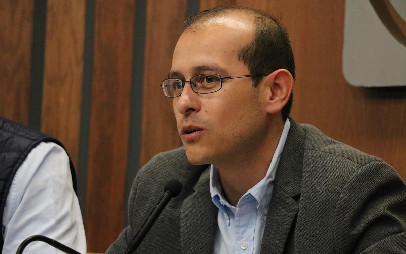 Hinojosa Pérez detalló que el Presidente Nacional, Ricardo Anaya Cortés, estableció que será a través de tres acciones como el albiceleste ayudará para librar esta difícil situación que se vive en el país