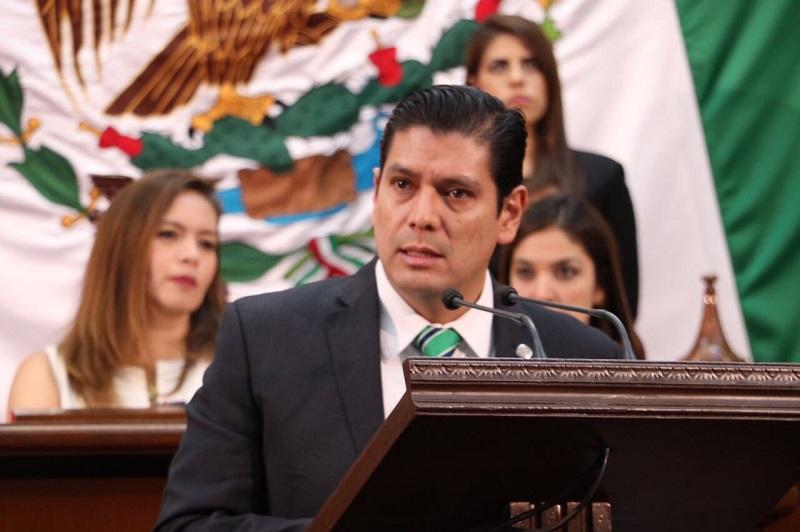 Núñez Aguilar resaltó la necesidad de funcionarios públicos que ejerzan la vocación de servir y actuar al nivel de la sociedad