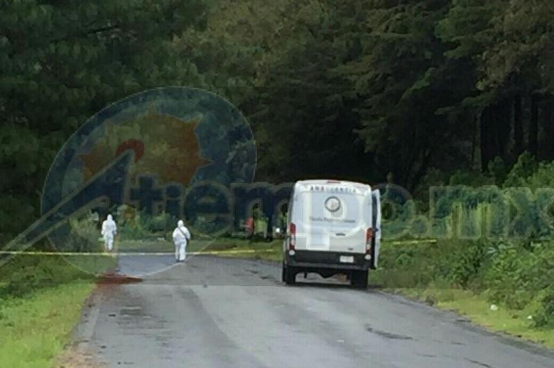 El hallazgo ocurrió aproximadamente a las 10:30 de la mañana cuando sobre dicha carretera con dirección al banco de arena de la comunidad de San Lorenzo, algunas personas que circulaban por la zona localizaron a un costado de la cinta asfáltica los cuerpos amarrados de dos personas del sexo masculino