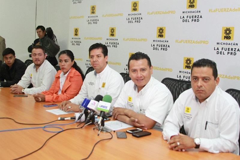 Torres Piña quien reiteró la disposición que tiene su partido para apoyar a las miles de familias que resultaron víctimas por los sismos del 7 y 19 de septiembre
