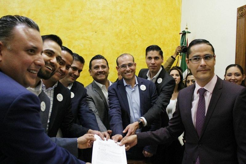 """Dirigentes partidistas y líderes parlamentarios dejaron claro que el Frente Ciudadano por Michoacán no dará ni un paso hacia atrás, """"en la ruta que hemos trazado para el desarrollo de nuestro estado"""""""