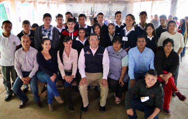 Barragán Vélez indicó que el Telebachillerato seguirá trabajando para ampliar su cobertura, para que más jóvenes tengan la oportunidad de estudiar, lo que propiciará el desarrollo de sus comunidades de origen