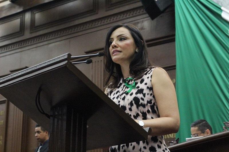 Hernández Íñiguez agregó que en la Ley General se establecen competencias específicas para cada orden de gobierno y concurrentes para los tres ámbitos