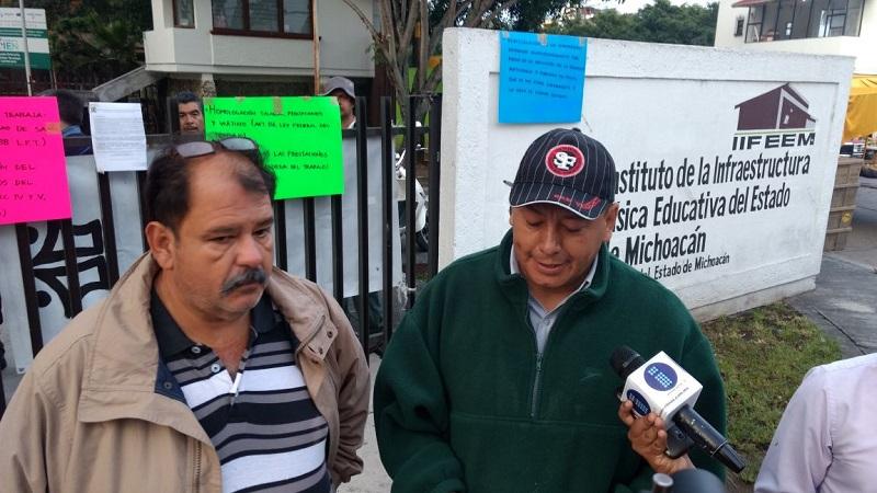 Antonio Luna Carbajal, secretario general del nuevo gremio sindical, refirió que tomaron las instalaciones la mañana de este miércoles de manera indefinida pidiendo igualdad