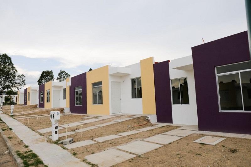"""""""Con esto, nuestros policías podrán acceder a una vivienda digna, que les permita dar a su familia un lugar decoroso, pero sobretodo, propio para vivir"""": Juan Bernardo Corona"""