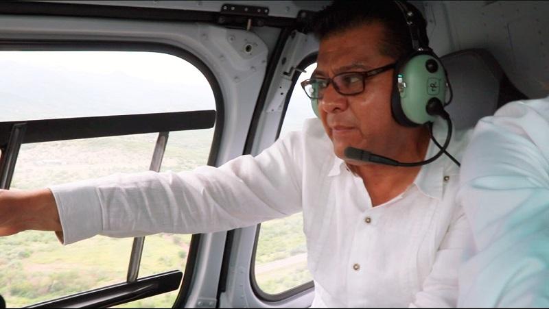 Corona Martínez también sobrevoló diferentes municipios de las zonas como Múgica, Nuevo Urecho y Arteaga, para supervisar los trabajos que realiza la Policía Michoacán en coordinación con autoridades federales