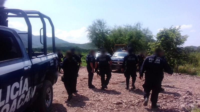 Agentes de la SSP localizaron un vehículo y en su interior un arma de fuego, 81 cartuchos y tres cargadores de distintos calibres, los cuales fueron asegurados