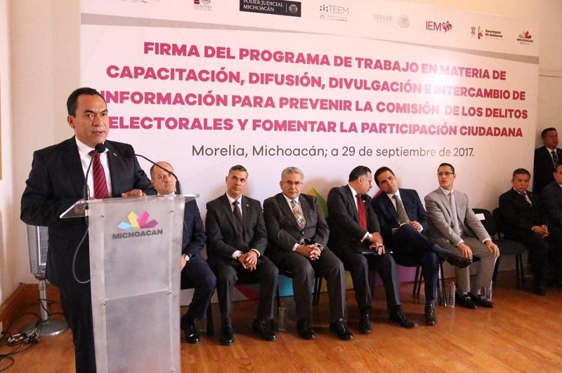 López Solís dijo que los distintos esfuerzos institucionales, como este, se requieren en la etapa de preparación del proceso electoral, así como en los retos para la aplicación y operación de figuras como la paridad de género y la reelección