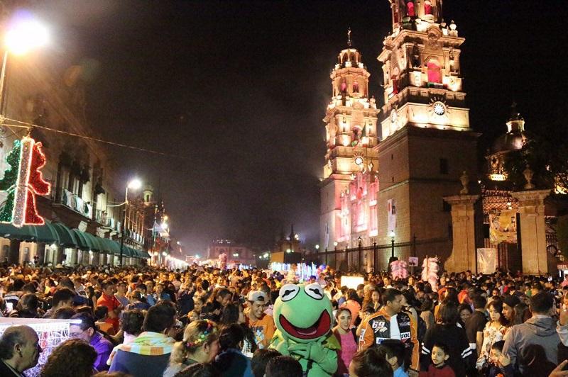 En la Plaza Melchor Ocampo, a las 17:00 horas, se realizará un Flashmob de Mariachi, en el que participará el Ballet Folclórico de la Facultad Popular de Bellas Artes, involucrando así a la ciudadanía en número artístico