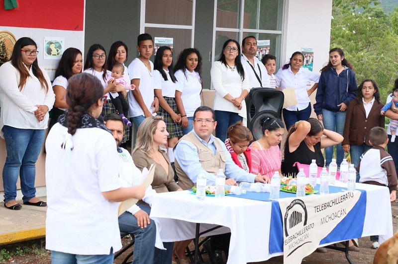 Barragán Vélez resaltó el gran crecimiento del subsistema gracias al apoyo que le ha brindado el Gobernador Silvano Aureoles, lo que ha dado como resultado la apertura de más espacios en el Telebachillerato Michoacán