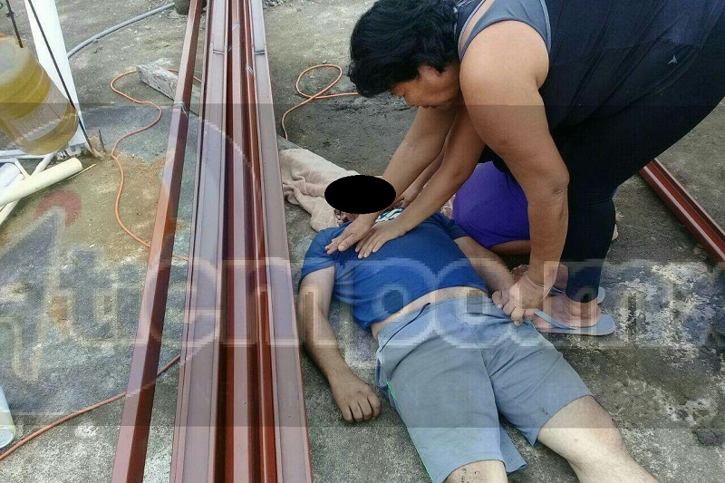 La víctima estaba subiendo estructuras de herrería a la parte de la azotea, cuando en un determinado momento Gilberto tocó los cables de alta tensión