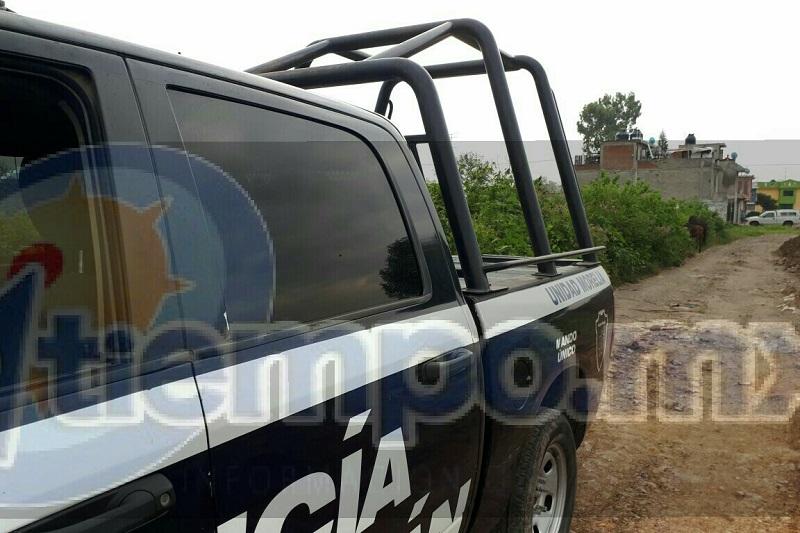 Fue las primeras horas de este domingo cuando el cuerpo del elemento ministerial Pablo P., fue encontrado sobre la carretera Apatzingán - Nueva Italia a la altura de la comunidad de Antúnez