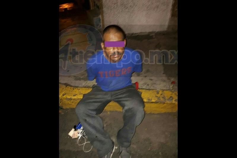 Al realizar la búsqueda material ininterrumpida, personal de la Policía de Morelia se percató de un masculino con las características dadas por la afectada, caminando sobre la calle Rayón