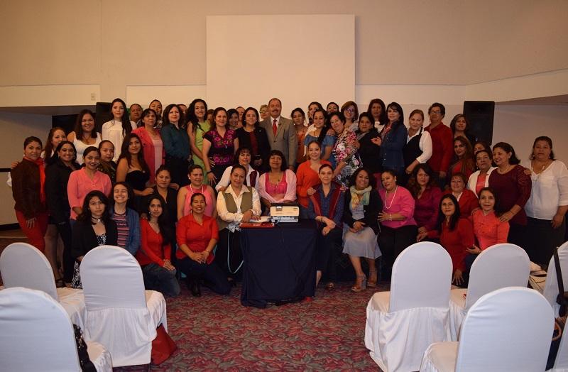 A la capacitación asistieron 100 mujeres priistas de distintos lugares de la Michoacán, liderazgos regionales y de sus comunidades