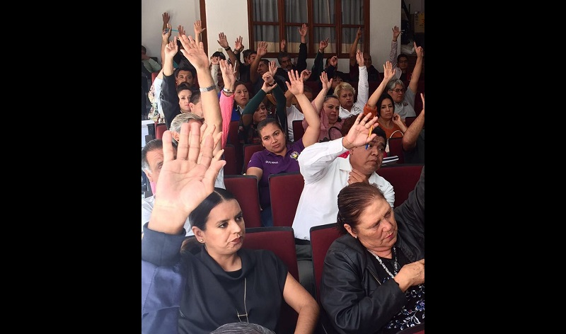 Es preciso señalar que la Universidad Michoacana cumplirá 100 años el próximo 15 de octubre por lo que al cambiar la fecha posible de colocación de las banderas rojinegras, los eventos programados para los próximos días no sufrirán cambio alguno