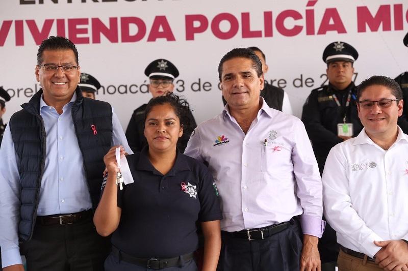 Son 29 casas del Programa transversal Vivienda Policía Michoacán, compromiso realizado a principios de 2017; representan una inversión de 11 millones 542 mil pesos