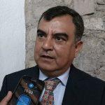 Ortiz García lamentó los retrocesos en materia de servicios en Morelia y las condiciones en que se encuentran las vialidades; en el tema de las luminarias, planteó la necesidad de explorar alternativas energéticas para generar ahorros