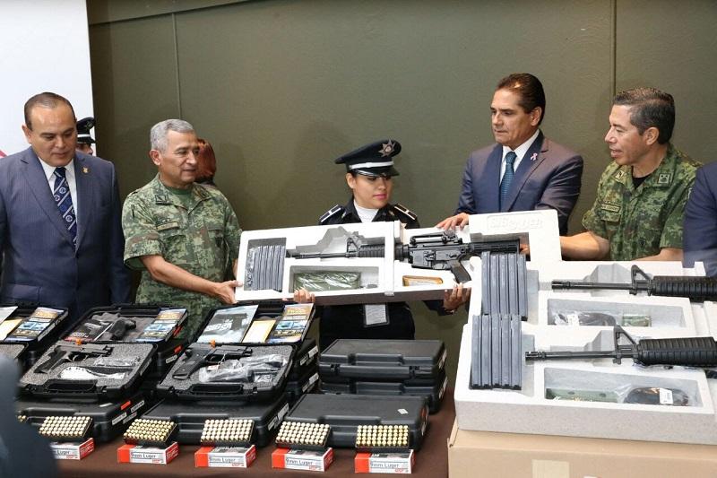 """Reitera mandatario estatal que el reto es """"que ustedes sean la mejor Policía de México"""""""