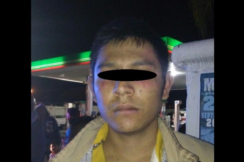 Al lugar arribaron unidades de la Policía Michoacán y la Policía de Morelia, que lo remitieron a barandilla