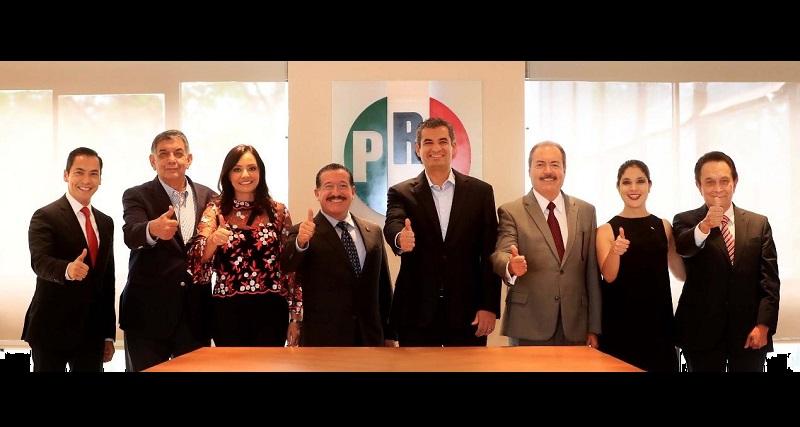 El dirigente nacional, Enrique Ochoa, lo exhortó a trabajar mañana, tarde y noche por la unidad del priismo michoacano, privilegiando la inclusión y el diálogo como vías para el fortalecimiento partidista en la entidad