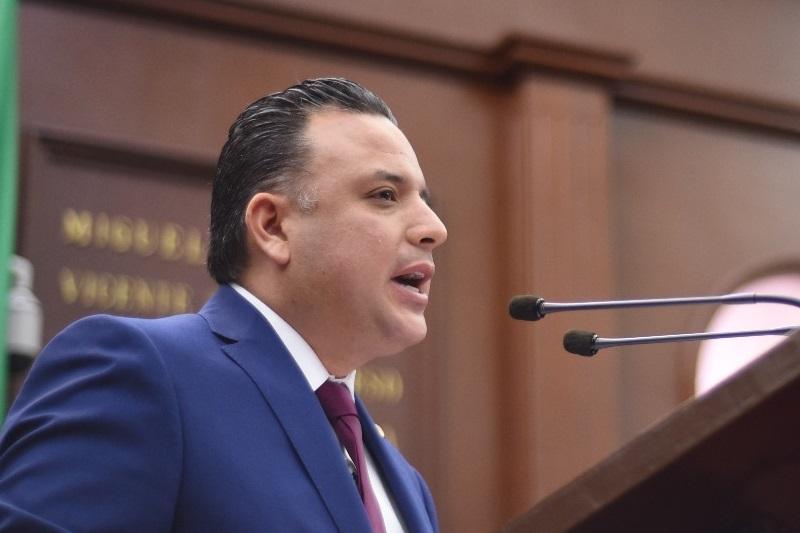 El Congreso del Estado debe impulsar una legislación capaz de incidir con oportunidad, en una nueva forma de ejercer los recursos públicos, en donde se erradiquen prácticas de dispendio y desorden en el manejo de las finanzas: Quintana Martínez
