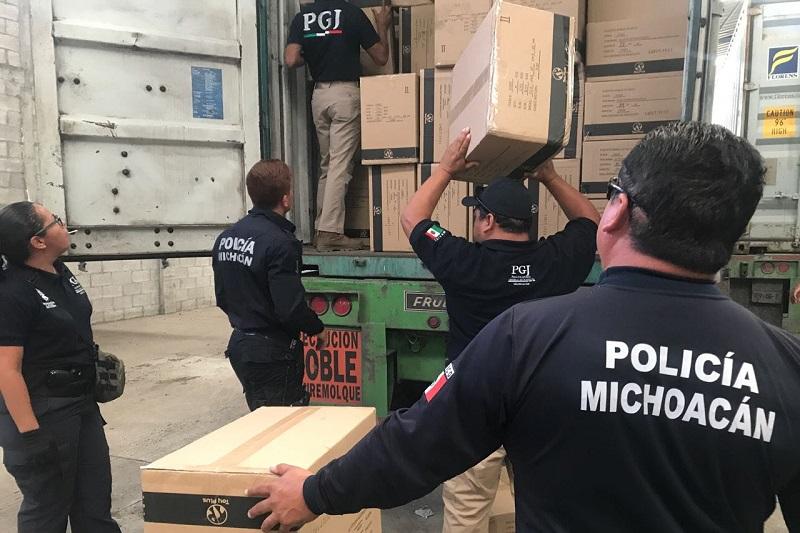 Los contenedores con los juguetes fueron presentados ante el agente del Ministerio Público y la bodega fue asegurada para continuar con las investigaciones que permitan dar con los responsables de estos hechos