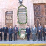 Al son de la Banda de Guerra de la Policía de Morelia, se recordó que tanto el Padre de la Patria como José María Morelos, iniciaron la lucha para tener una República Mexicana sin distinción de criollos, mestizos, mulatos y castas