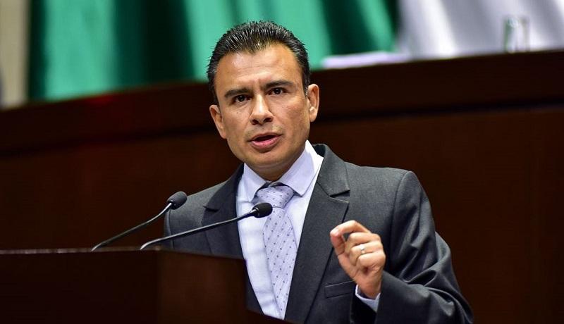 En tribuna, Calderón Torreblanca destacó que dicha Ley representa 5.2 billones de pesos de ingresos, sin embargo, el Ejecutivo Federal terminará el ejercicio fiscal hasta con 500 mil millones de pesos más, al igual que en los años anteriores