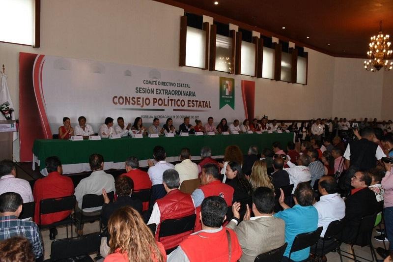 De esta forma, se ratificó lo autorizado por el Consejo Político Nacional, tal como lo marcan los estatutos del Partido Revolucionario Estatal